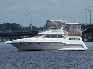Used Cruisers Yachts 3950 Esprit AC Motoryacht Aft Cabin Boat For Sale