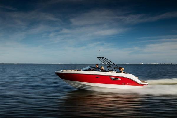 New Sea Ray 230 SLX Bowrider Boat For Sale