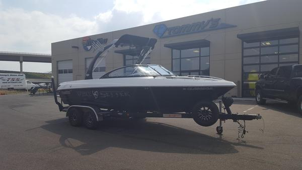 Used Malibu Wakesetter 21 VLX Ski and Wakeboard Boat For Sale