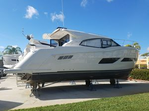Used Carver C43 Motor Yacht For Sale