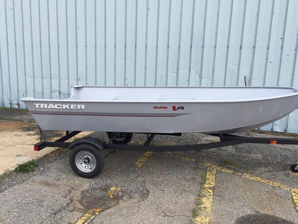 2018 new tracker guide v 14 deep v aluminum fishing boat for Deep sea fishing boat for sale