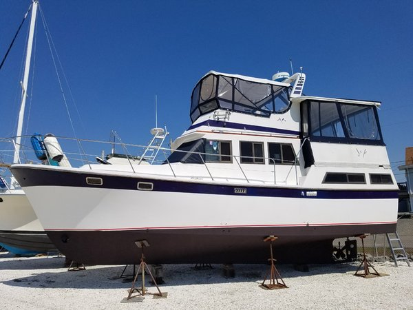 Used Marine Trader Sundeck Trawler Boat For Sale