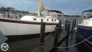 Used Endeavor 32 Racer and Cruiser Sailboat For Sale
