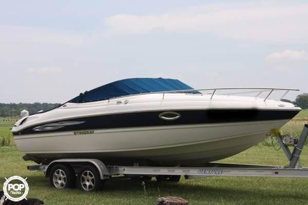 Used Stingray 225 CR Express Cruiser Boat For Sale