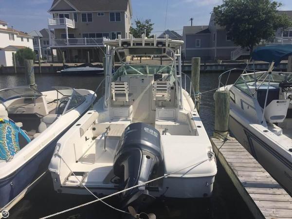 Used Robalo R235 WA Walkaround Fishing Boat For Sale