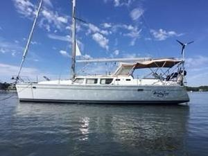 Used Jeanneau 43 Ds Center Cockpit Sailboat For Sale