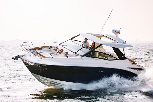 New Sea Ray 320 Sundancer Express Cruiser Boat For Sale