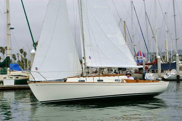 Used Yankee Dolphin Racer and Cruiser Sailboat For Sale