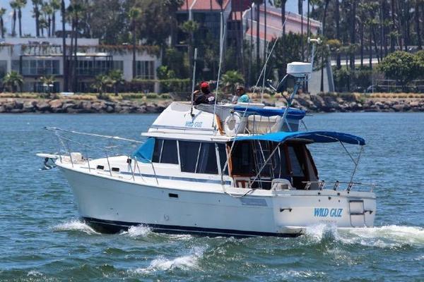 Used Bayliner 320 Cruiser Aft Cabin Boat For Sale