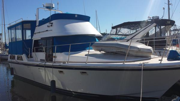 Used Young Sun Aft Cabin Boat For Sale