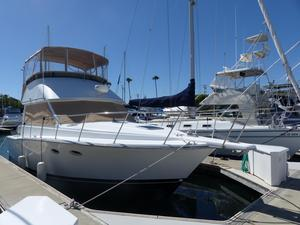 Used Catalina Islander 34 Flybridge Boat For Sale