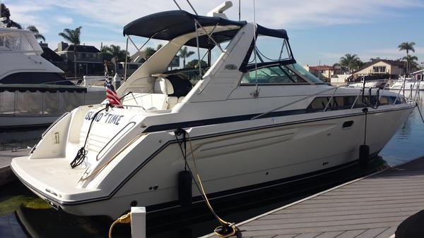Used Bayliner 3685 Avanti Sunbridge Express Cruiser Boat For Sale