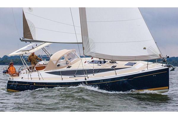 New Hunter Marlow Hunter 40 Cruiser Sailboat For Sale