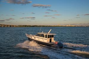 New Marlow Pilot 32 Trawler Boat For Sale
