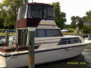 Used Marinette Flybridge 32 Sports Fishing Boat For Sale