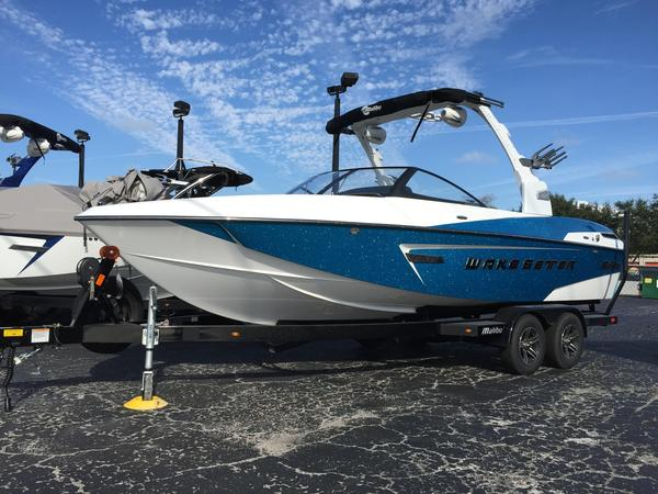 Used Malibu 23 LSV Ski and Wakeboard Boat For Sale