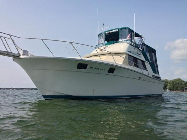 Used Silverton 40 Aft Cabin Motor Yacht For Sale