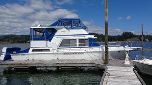 Used Uniflite Live Aboard/island Ready Cruiser Boat For Sale