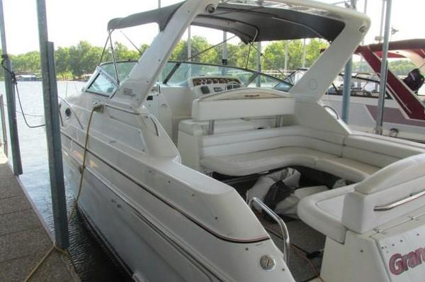Used Wellcraft 3200 Martinique Cruiser Boat For Sale