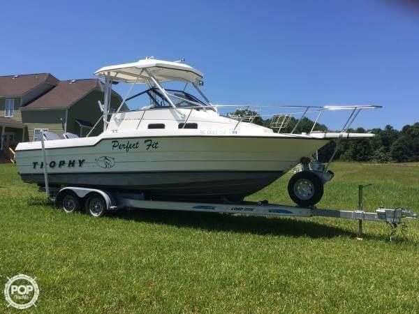 Used Trophy 2502 WA Walkaround Fishing Boat For Sale