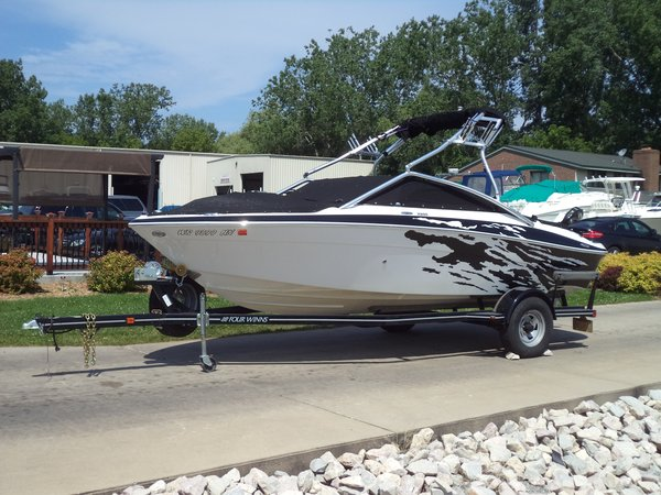 Used Four Winns H200 SS Bowrider Boat For Sale