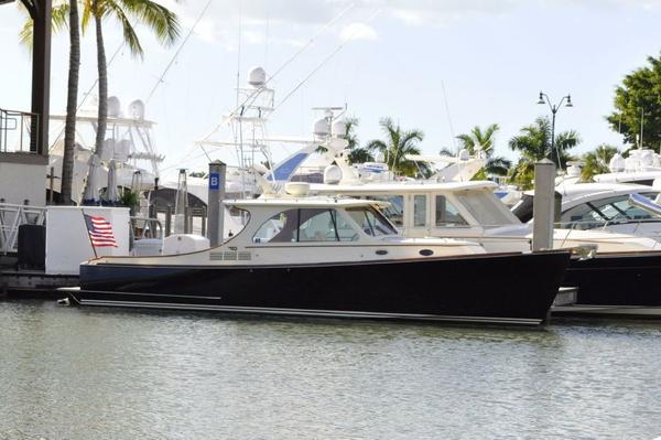 Used Hinckley Talaria Cruiser Boat For Sale