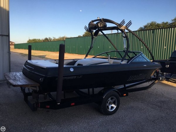 Used Malibu Response LX 20 Ski and Wakeboard Boat For Sale