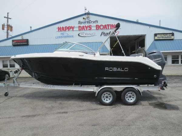 New Robalo R207 DC Dual Console Boat For Sale