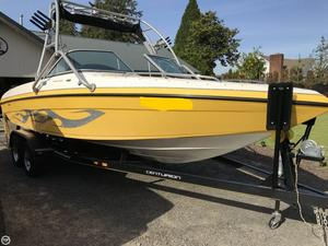 Used Centurion Storm Typhoon Ski and Wakeboard Boat For Sale