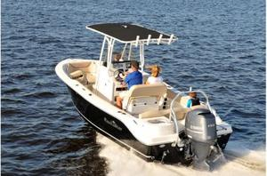 New Nautic Star 2102 Legacy Center Console Fishing Boat For Sale
