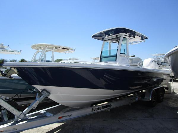 New Everglades 253CC Center Console Fishing Boat For Sale