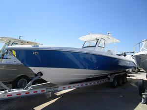 New Everglades Boats 355CC Center Console Fishing Boat For Sale