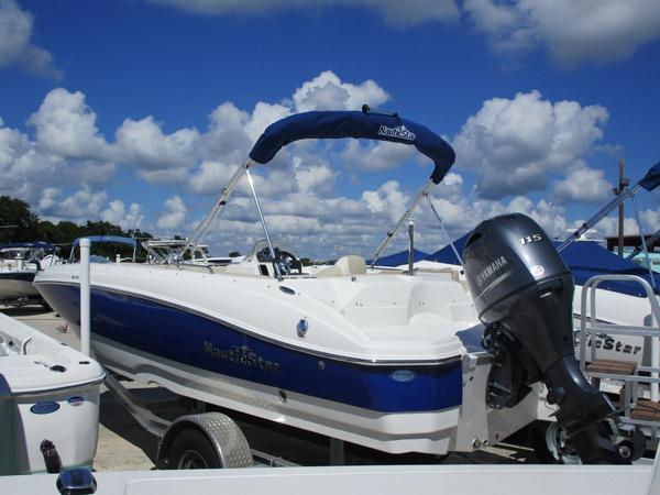 New Nautic Star 203 SC Deck Boat For Sale