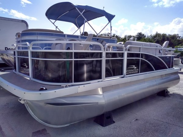 New Bennington 18 SF Pontoon Boat For Sale