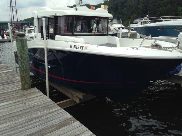 Used Beneteau Barracuda 9 Pilothouse Boat For Sale