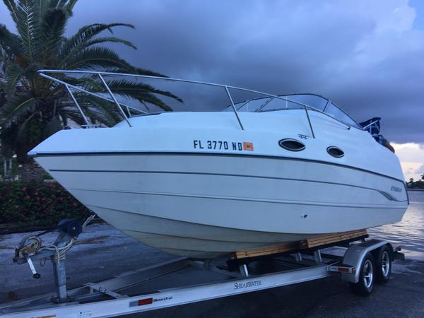 Used Stingray 240 CR Cruiser Boat For Sale