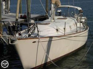 Used Heritage Yacht West Indies 36 Racer and Cruiser Sailboat For Sale