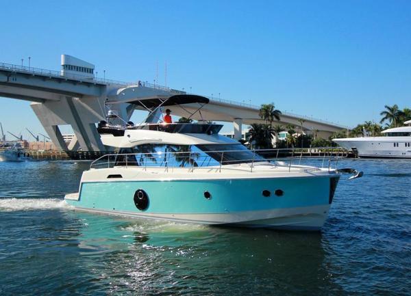 New Monte Carlo 4 by Beneteau Flybridge Boat For Sale