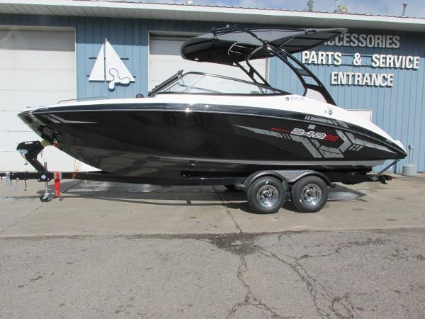 New Yamaha 242 X E-Series Jet Boat For Sale
