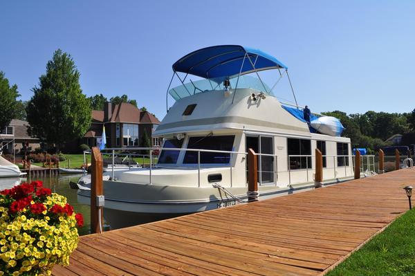 Used Cruise-A-Home Corsair 40 House Boat For Sale