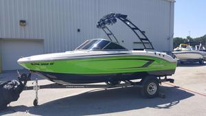 Used Chaparral H19 H2O Ski and Wakeboard Boat For Sale