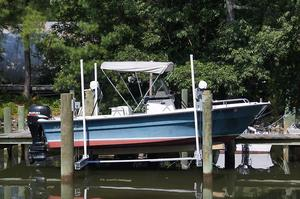 Used Maritime Defiant Saltwater Fishing Boat For Sale