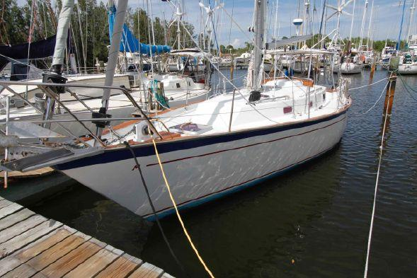 Used Morgan 384 Sloop Sailboat For Sale