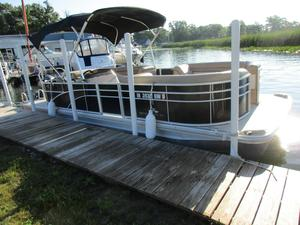 Used Bennington 24 SLX Pontoon Boat For Sale