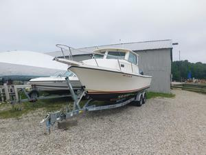 Used Parker 2520 XL Sport Cabin Pilothouse Boat For Sale
