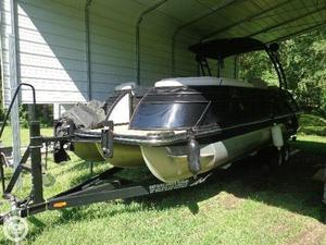 Used Bennington 2575 QCW Pontoon Boat For Sale