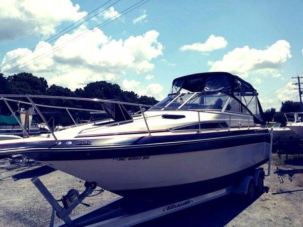 Used Sea Ray 25 Sorrento Sundancer Cuddy Cabin Boat For Sale