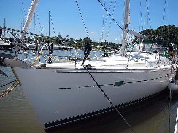 Used Beneteau 423 Racer and Cruiser Sailboat For Sale