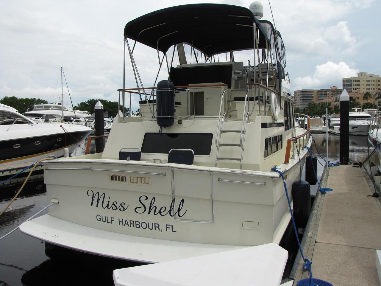 1986 used tollycraft 48 cockpit motor yacht trawler boat for Motor yachts for sale in florida