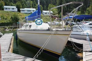 Used S2 Yachts 7.9 METER Racer and Cruiser Sailboat For Sale